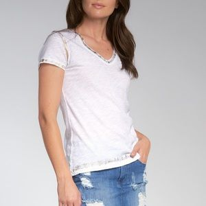 White t shirt with gold detail